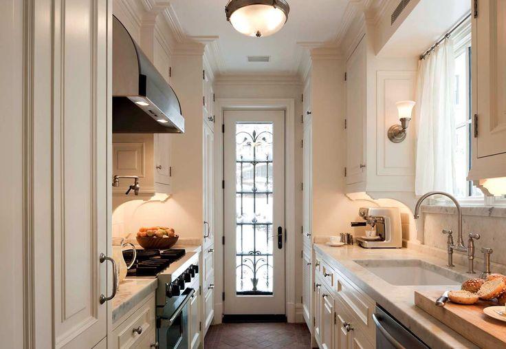 Kitchen in an 1890s new york brownstone john b murray for Brownstone kitchen ideas