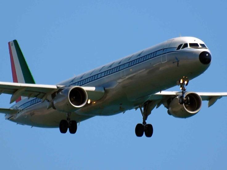 """aereo """"alitalia""""."""