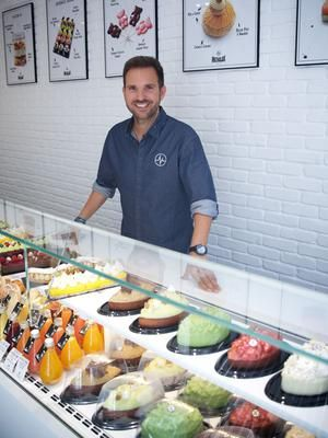 Christophe Michalak dans sa 3e boutique (VIe).