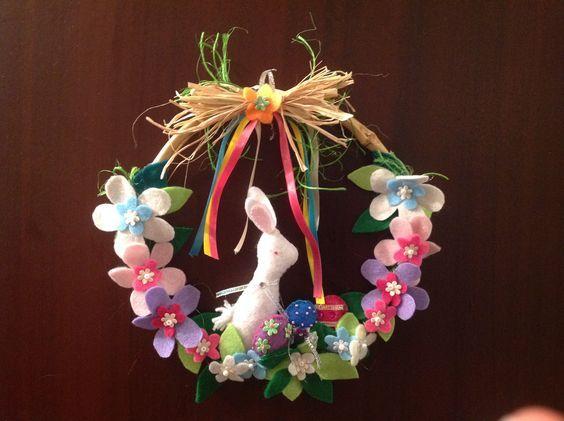 Corona de Pascua Elaborada en Paño lenci