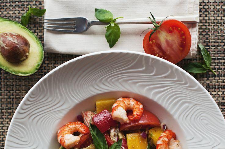 #food #ginzaproject #terrassa #restaurant #terrassa #yummi #drink #love #salad #tomato #shrimp #avocado