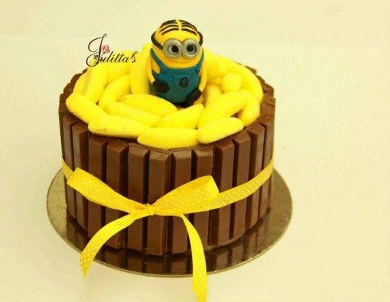 Minion+Kit+Kat+Cake