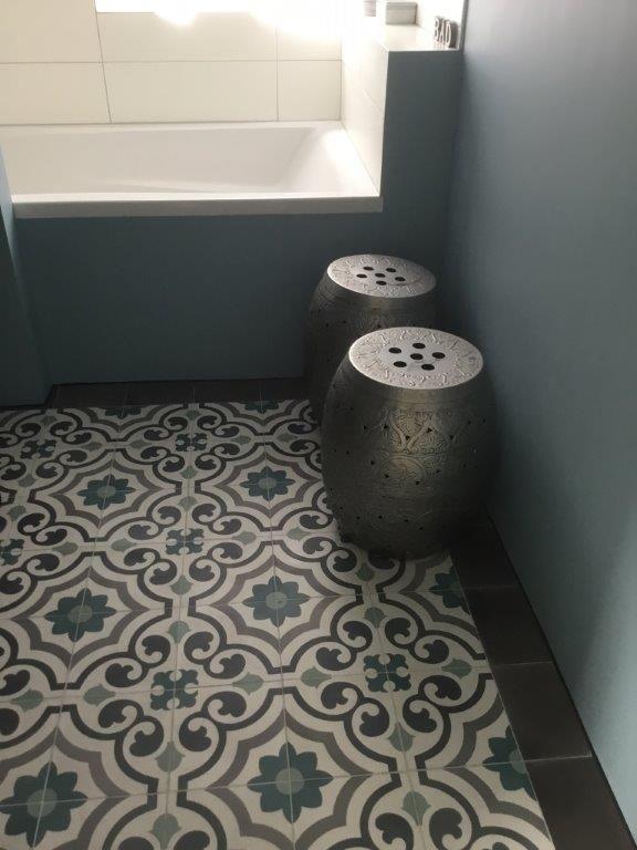 25 beste idee n over portugese tegels op pinterest tegel portiek marokkaanse tegels en - Deco mozaieken badkamer ...