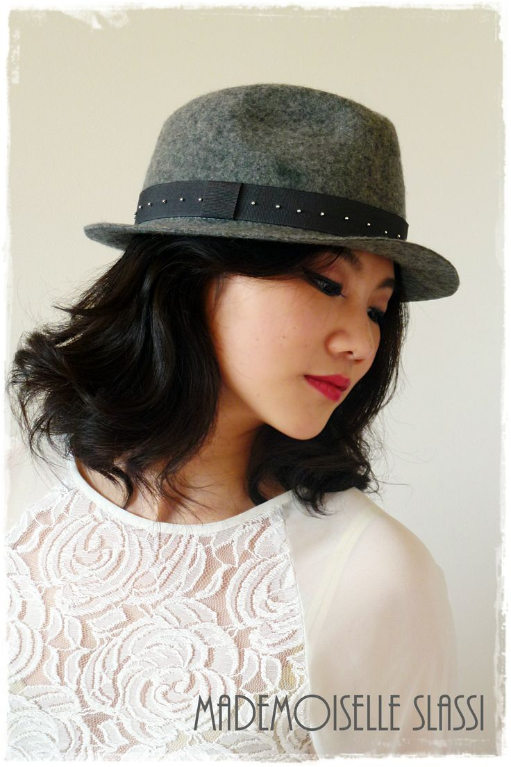 Hats to be special every day... Grey wool felt hat with embroided ribbon. Mademoiselle Slassi (Paris)
