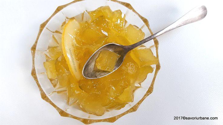 Dulceata de dovlecei cu lamaie si vanilie reteta pas cu pas. O reteta ieftina de dulceata din dovlecel, foarte aromata si gustoasa. Are aroma de ananas