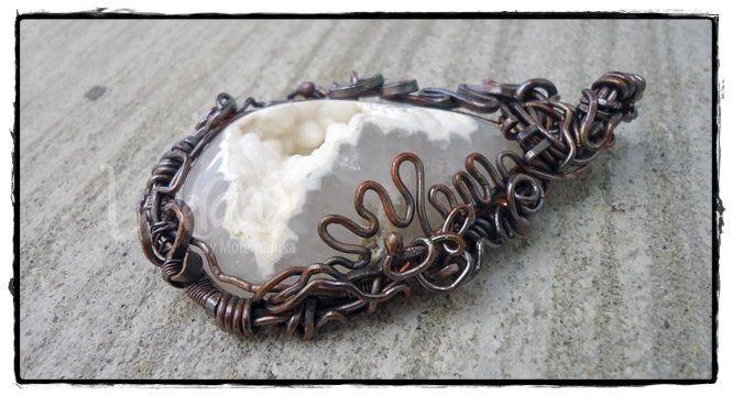 """snow white"" druzy stone, copper wire 1.5mm & 0.8mm - oxidized - SOLD"