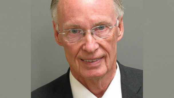 Alabama Gov. Robert Bentley resigns amid sex scandal | abc7chicago.com