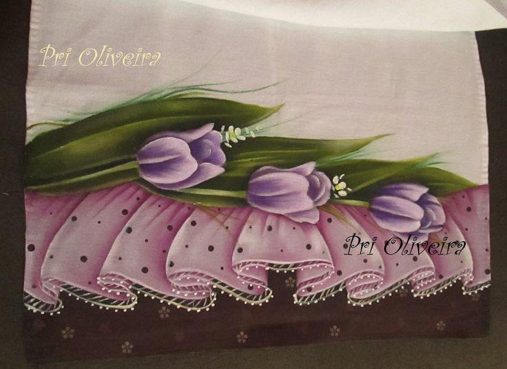 Pano de copa da marca Estilotex medida de 45x 70 cm, todo pintado a mao , flores e barrado tbm.    Todas as atualizacoes no pedido, vc receberá no seu email cadastrado neste site elo7