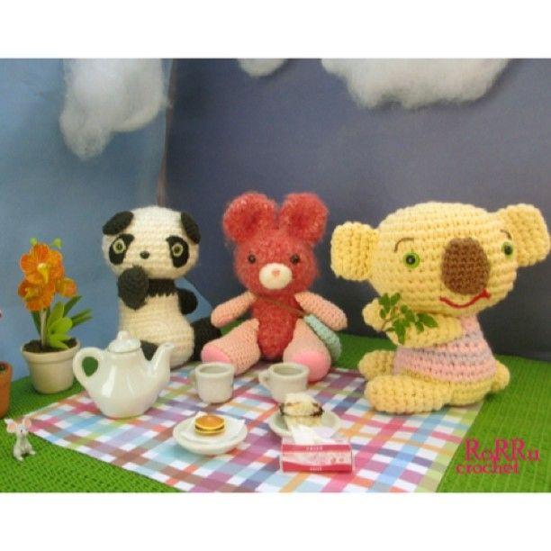 #amidoll #amigurumi #amigurumist #crochet #crochetdoll #doll #animal #picnic #animalpicnic #panda #rabbit #koala #craft #mycraftjourney #bonekarajut #boneka #rajutan #rajut #Padgram