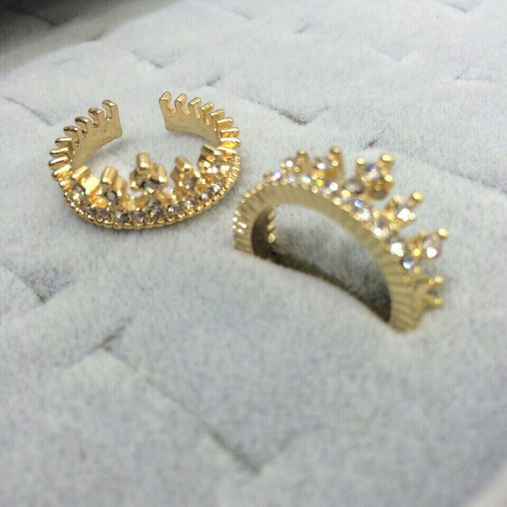 #royaltysforthecommoner  Adjustable crown ring for ₹209 each  only  To shop visit www.regium.in  Or whatsapp us at 7666649710/9022910123