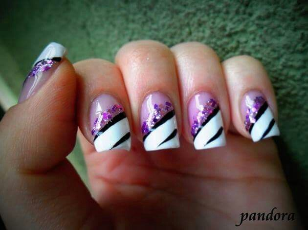 Nail Art With Purple And White Communiquerenligne