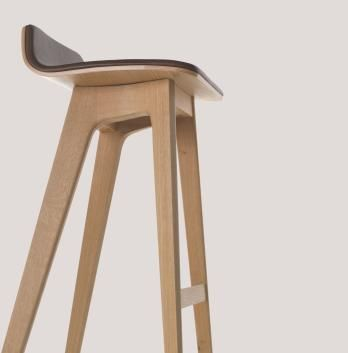 Morph Timber Stool by Formstelle for Zeitraum