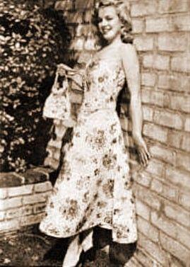 1946 Norma Jean for Blue Book Modeling: Blue Book, Jeans Baker, Jeans Défile, Angel Marylyn, Ravish Angel, Jeans Marilyn, Norma Jeans, Jeans Mortensen, Book Models