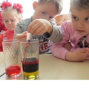 Радуга в стакане - интересные опыты для детей