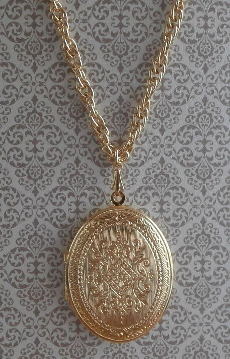 Vintage Ornate Scrollwork Locket Pendant Necklace Double