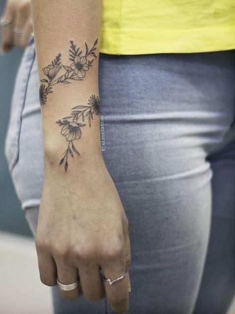 Tatu minha  www.facebook.com/… #tattooed #tattoos #sexy #hottie  – Tattoed Hotties