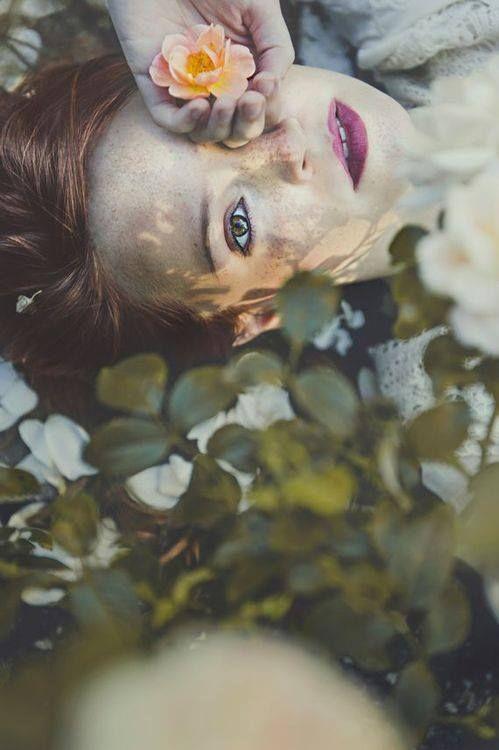 Regarde-moi et dis-moi si tu vois l'intensité de mes sentiments. Regarde bien, au fond de mon âme, tu découvriras ce que la vie m'a appris.