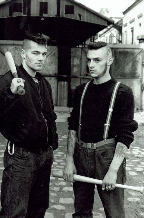 Members of Red Warriors An Antifascist skinhead group that existed in Paris from 1986 to 1992 Photo taken in Paris in the late 1980's [564x848] #HistoryPorn #history #retro http://ift.tt/23bpFJg