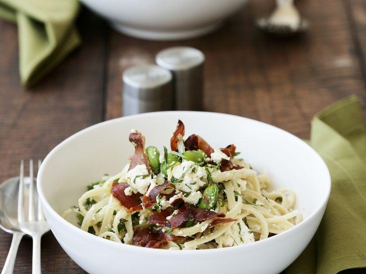 Pasta mit Saubohnen, Speck und Minze - smarter - Zeit: 20 Min ...