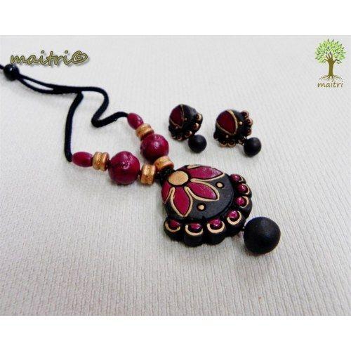 Terracotta Jewellery -  Black Diya  www.facebook.com/maitri.crafts.maitri maitri_crafts@yahoo.com