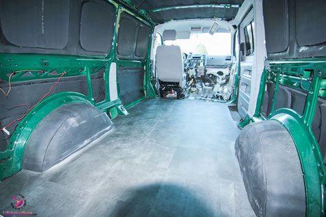 PVC Boden verlegen im VW Bus by Lifetravellerz