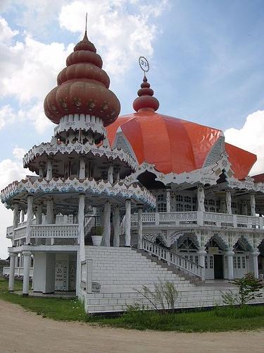 Hindu temple in Paramaribo, Suriname, via Flickr.