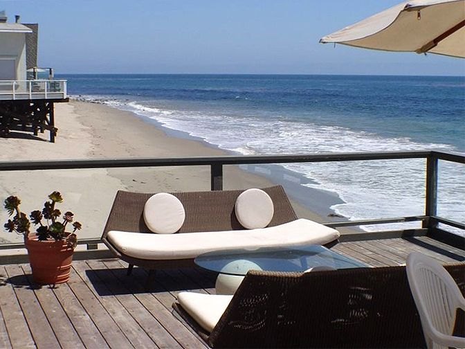 Simple Luxury Beach House Als