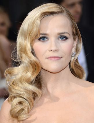 Top 15 Long Hairstyles - Reese Witherspoon Reese styled her long hair into retro waves for the Oscars. To get the look at home, use a large two-inch iron or hot rollers. After you have set the curls and allowed them to cool, use your fingers to break up the waves.