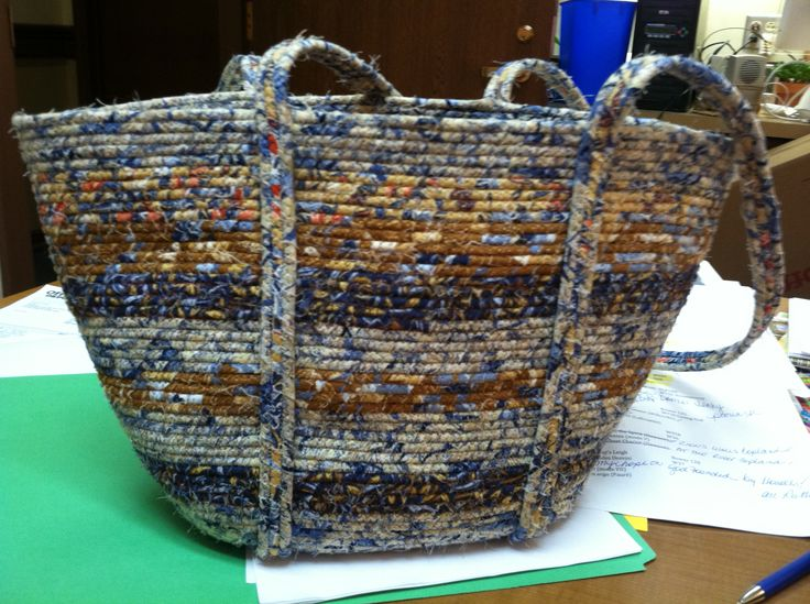 My clothesline purse made with my old shirt.