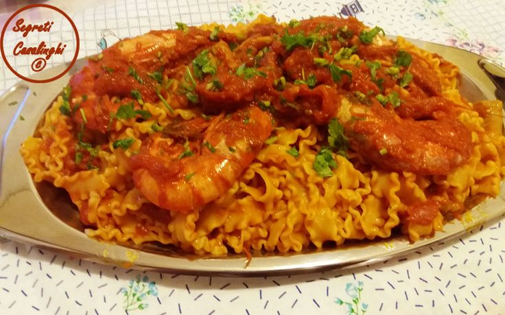 gamberoni, gamberoni con la salsa, gamberoni con salsa gamberoni, pasta gamberoni salsa pomodoro, primi piatti pesce, ricette a base di pesce, ricette pesce