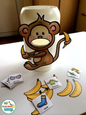 Free Feed the Monkey Articulation Game for /s/ by teachingtalking.com