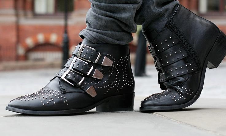 "Chloe ""Susan"" boots."
