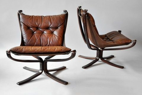 Want. via Cubicle Refugee: Decor, Brown Leather Chairs, Rocks Chairs, Desks Chairs,  Rockers, Falcons Chairs, Reading Chairs, Offices Chairs, Design