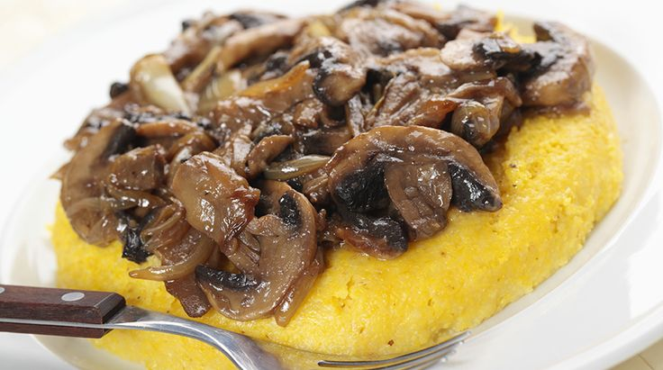 polenta-alla-sarda-con-funghi-e-salsicce