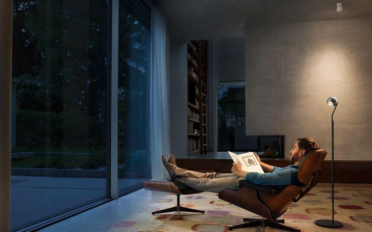 io lettura || lounge chair: Vitra