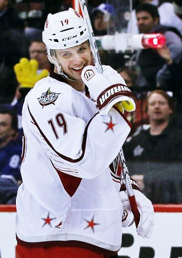 that's an awkwardly awesome pic by Spezza