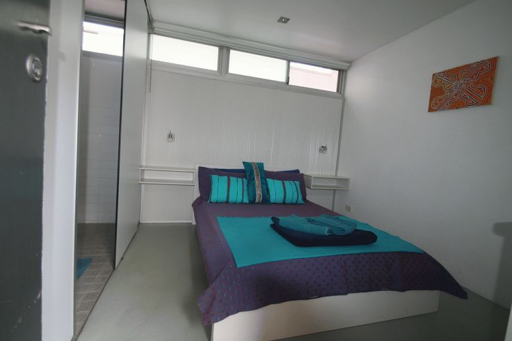 Double/Single Private EnSuite Room - The Original Backpackers Hostel