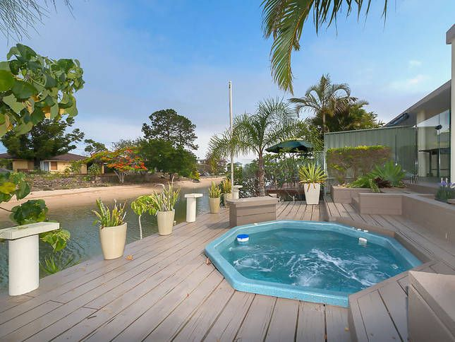 Summer Time Relaxed Waterfront, a Broadbeach House   Stayz
