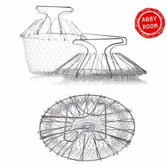 Chef Basket yang bisa membantu Anda memasak di dapur. Chef Basket adalah keranjang yang terbuat dari kawat dan bisa digunakan untuk menggoreng di dalam minyak yang banyak (deep fried) dan juga merebus. Dengan alat ini, Anda cukup memasukkan bahan makanan yang mau dimasak ke dalam keranjang dan memasukkannya ke dalam panci atau penggorengan. Anda tidak perlu takut terkena minyak atau air panas karena Chef Basket ini dilengkapi dengan pegangan sehingga mudah untuk dipegang. Chef Basket bisa…