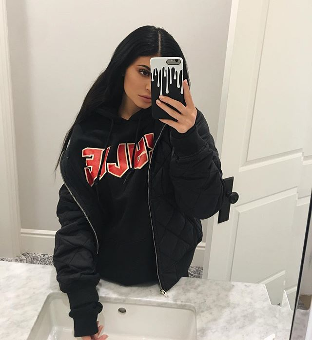 WEBSTA @ kyliejenner - I'm restocking @thekylieshop tomorrow at 10am pst on KylieJennerShop.com! limited quantities on all products