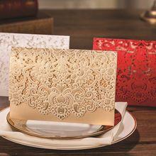(50 pezzi/lottp) mestieri di carta picrced disegno del fiore personalizzata e su misura stampa romantico pizzo inviti di nozze carte(China (Mainland))