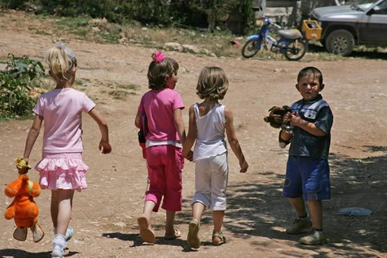 Why should a child from the #West have more rights compared to a child from the #East? Find out more about freedom of movement in #Europe in the article at http://one-europe.info/freedom-of-movement-as-a-human-right