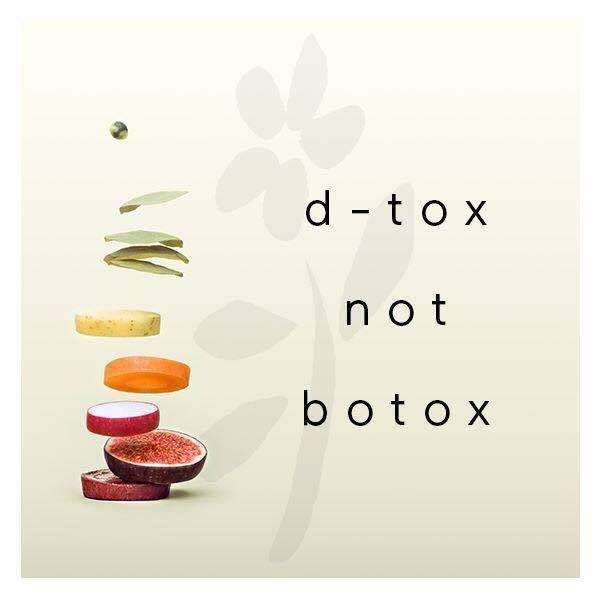 #detox Ci stiamo preparando all'arrivo della stagione fredda: il nostro corpo necessita di una disintossicazione naturale completa.  1. Detox dall'interno - CAPS D-TOX: essenze di curcuma, Wasabi e Carciofo stimolano il sistema epatobiliare depurando al meglio il metabolismo.  2. Detox per la pelle - MASCHERA PEELING: Ingredienti quali tè verde Matcha, baobab, luffa, bamboo,olio di mandorle, melograno puliscono e rivitalizzano la pelle e proteggono anche dai radicali liberi.  3. Detox per la…