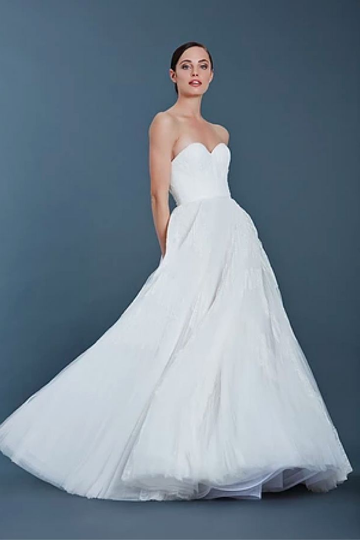 21 best Wedding dress images on Pinterest   Wedding frocks ...
