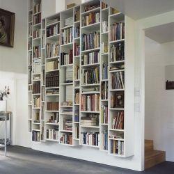 love these built in bookshelves