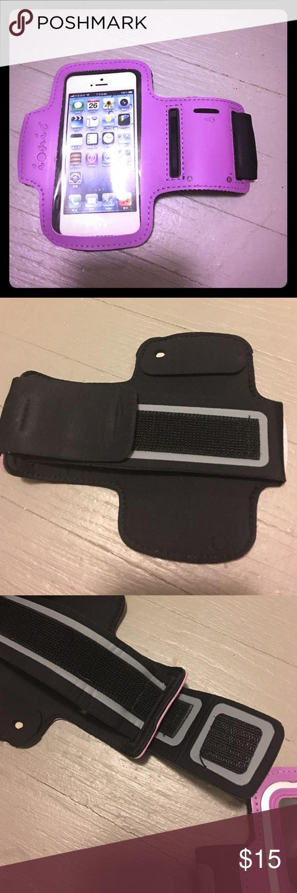 iPhone 5 Arm Band NWOT iPhone 5 armband for working out or running. Brand name is Ionic. ionic Accessories Phone Cases