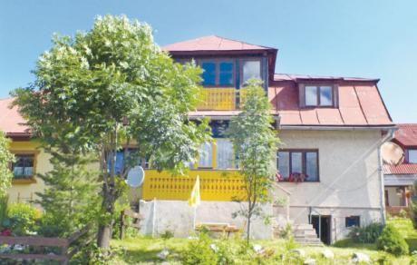 Zdiar  Dit rijtjeshuis bevindt zich in het dorp Zdiar ca. 25 km. van de grote stad Kezmarok. Het huis ligt in het Tatra National Park Belansky Tatry ca. 25 km. van de Poolse grens. Vanuit Tatranska Lomnica kunt u met een kabelbaan op de hoogste berg van Slowakijke Lomnicky Stit komen. Naar Poprad is het ca. 50 km.  EUR 210.00  Meer informatie  #vakantie http://vakantienaar.eu - http://facebook.com/vakantienaar.eu - https://start.me/p/VRobeo/vakantie-pagina