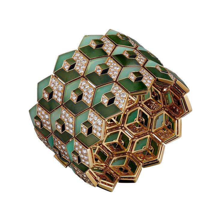 Cartier bracelet, 18K yellow gold, nephrite jade, chrysoprase, onyx, brilliant-cut diamonds.