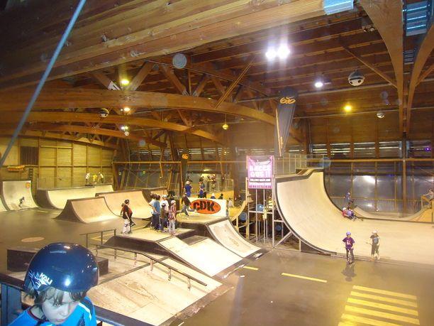 skate-park-de-gerland-lyon-le-19-12-2010-012-5_612x459__lfnfjm.jpg (612×459)