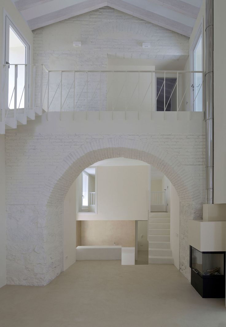 http://divisare.com/projects/305763-paredes-pedrosa-arquitectos-luis-asin-two-houses-in-oropesa